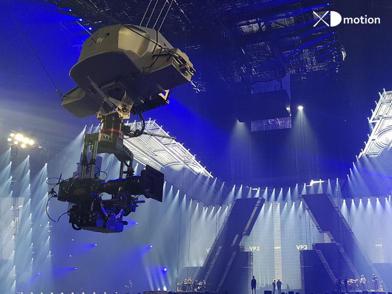 X fly 2D anamorphic Mylene farmer concert.jpg